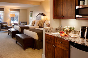 Limelight 2 Queen Bedroom2
