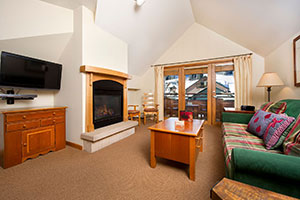 Zephyr Lodge Room