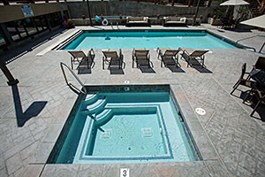 Lodges Pool