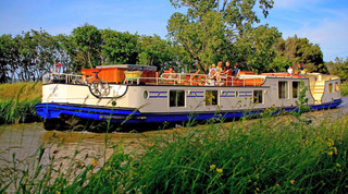 Clair de Lune Barge