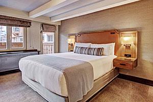 LAV Hotel Room