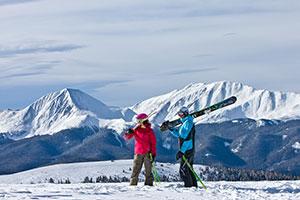 2 Skiers