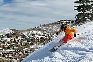 Aggressive Skier